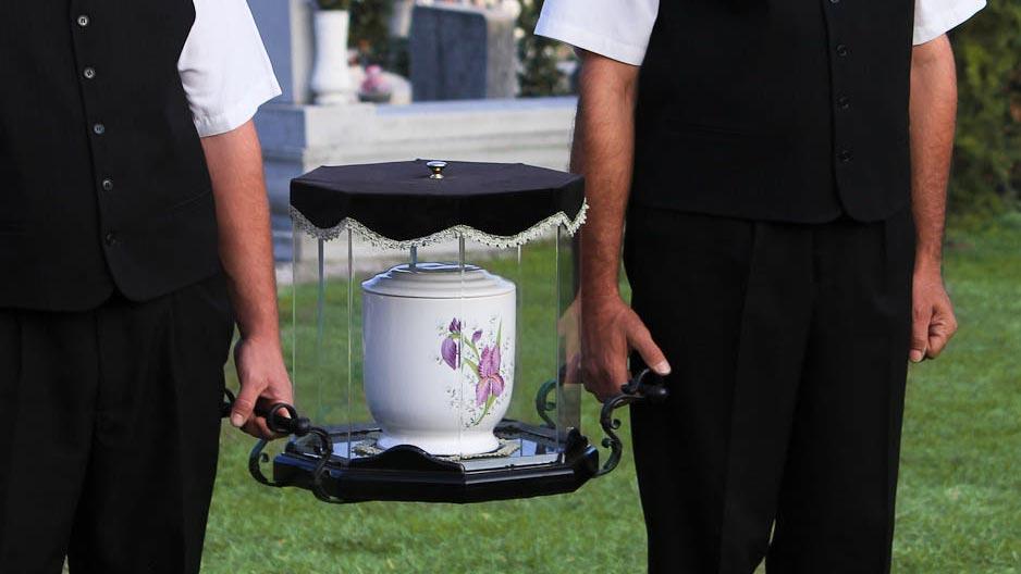 urnás temetés